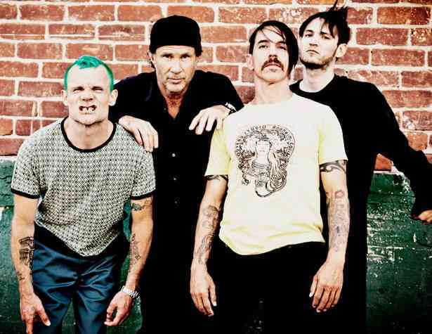 "I Red Hot Chili Peppers tornano con ""The Adventures Of Rain Dance Maggie"""